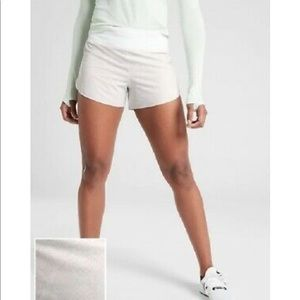 """Athleta White Printed Run With It 3"""" Short Lined"""